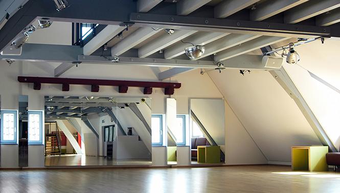 Tanzsaal im Dachgeschoss des Calwer Geschäftshauses