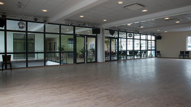 Große Saalansicht der Tanzschule Saumweber