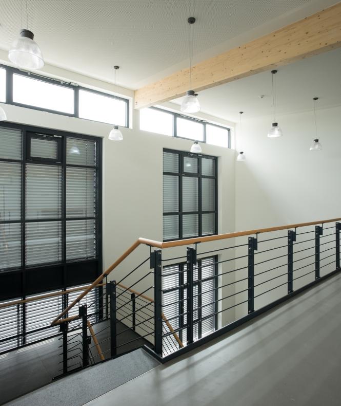 Obergeschoss mit Blick auf Treppe und Fenster